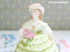 画像6: RW018 Royal Worcester  ロイヤルウースター ファッショナブルヴィクトリアンズ フィギュリン〜Lady Louise〜 (6)