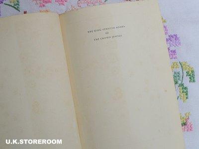 画像2: CO058 The King Penguin Books  キングペンギンブックス  『The Crown Jewels』
