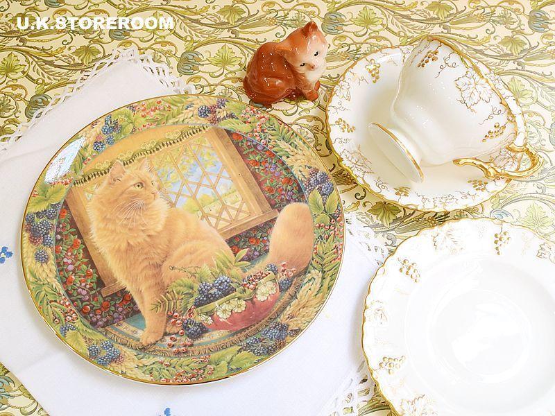 画像1: CH137 Royal Doulton Lesley Anne Ivory  レズリー・アン・アイボリー Cats in the window オータム ピクチャープレート  (1)