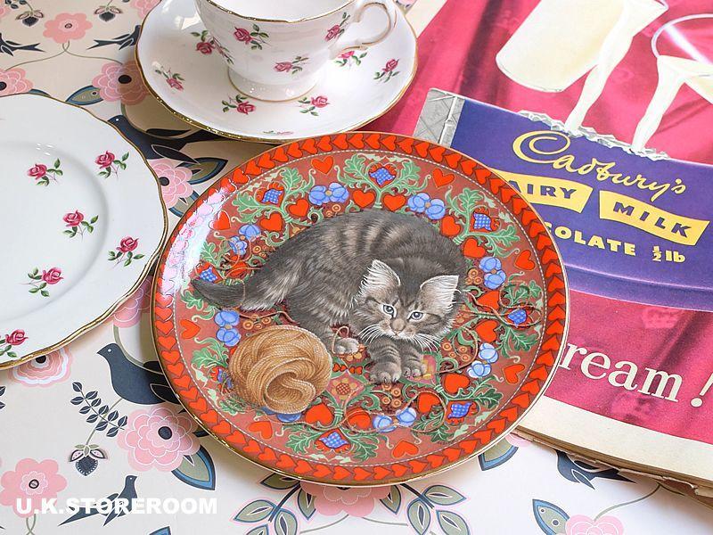 画像1: CH180 Aynsley Lesley Anne Ivory  レズリー・アン・アイボリー Meet My Kitten 2月 ピクチャープレート  (1)
